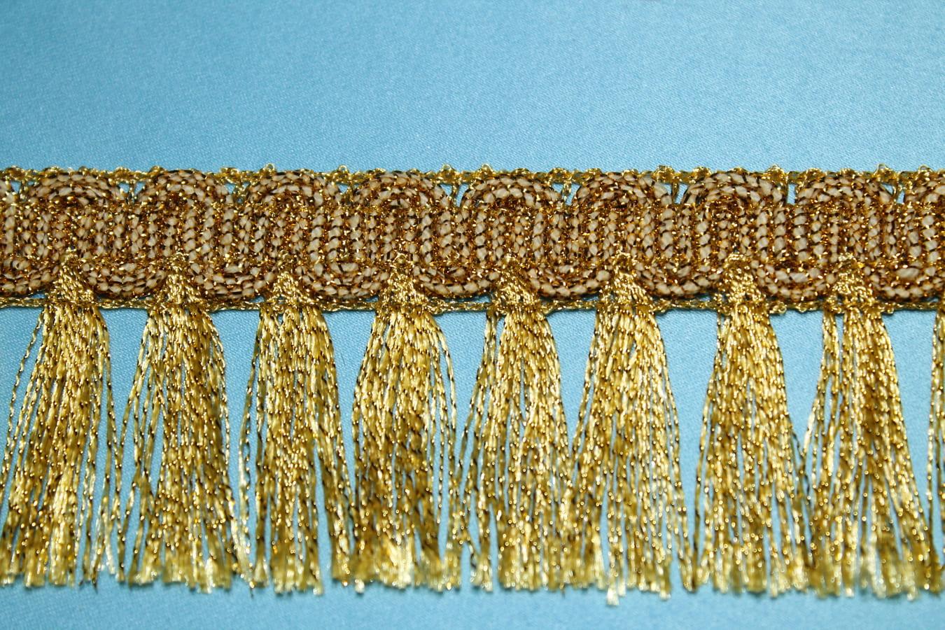 """Бахрома металлизированная отделочная с висящими с одной стороны """"Кисточками"""", золотая"""
