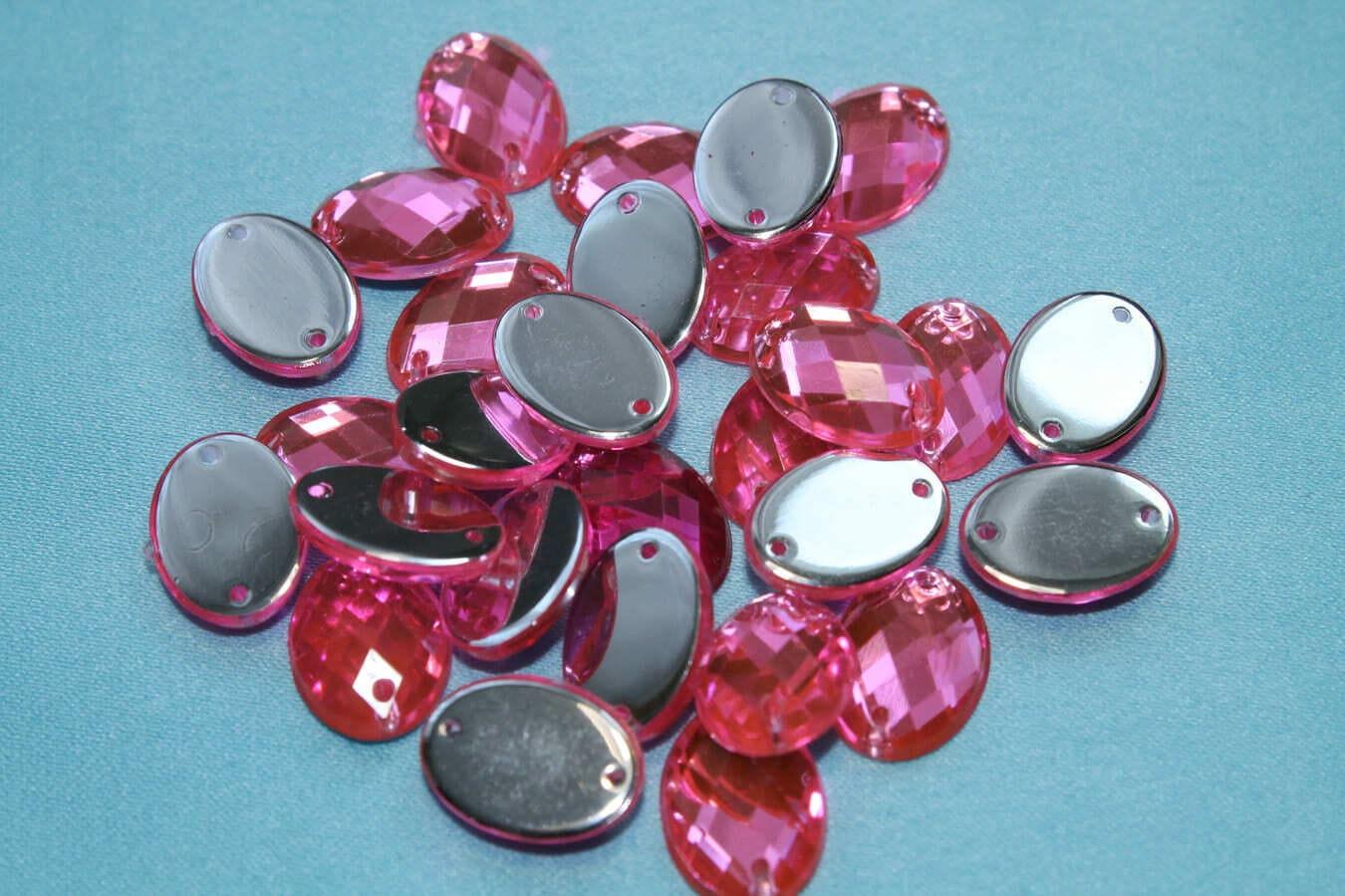 Стразы пластиковые, овальные, 10х15 мм, розовые.
