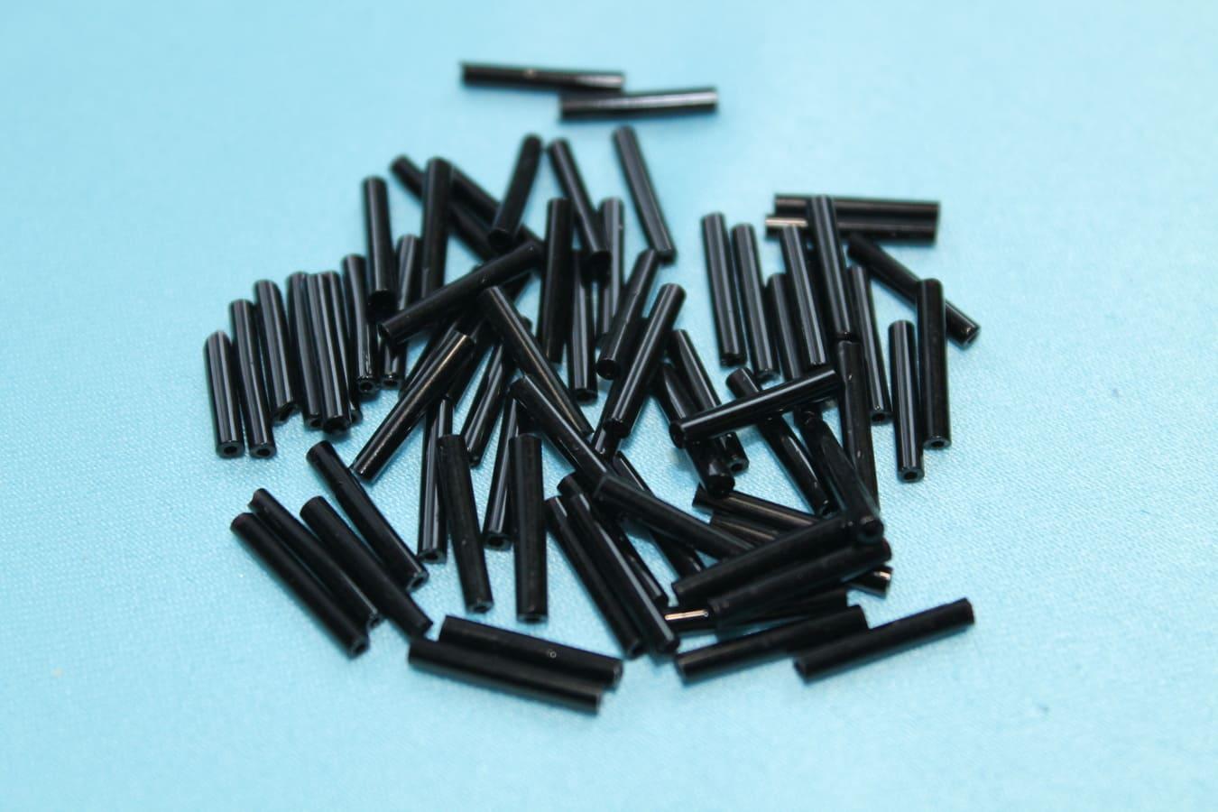 Стеклярус пластиковый 15х2 мм черный
